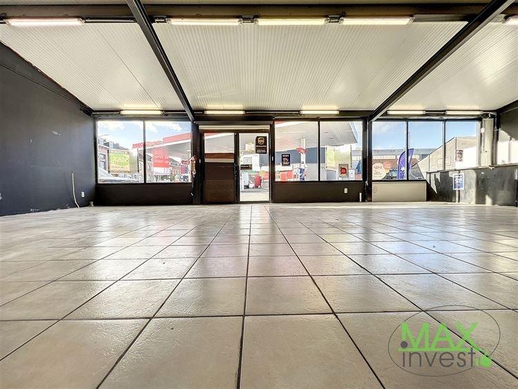 Commerce à 7700 MOUSCRON (Belgique) - Prix 950 €
