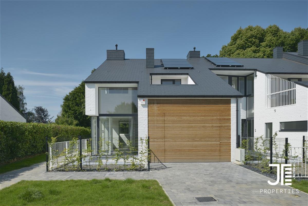 Woonhuis te 1310 LA HULPE (België) - Prijs