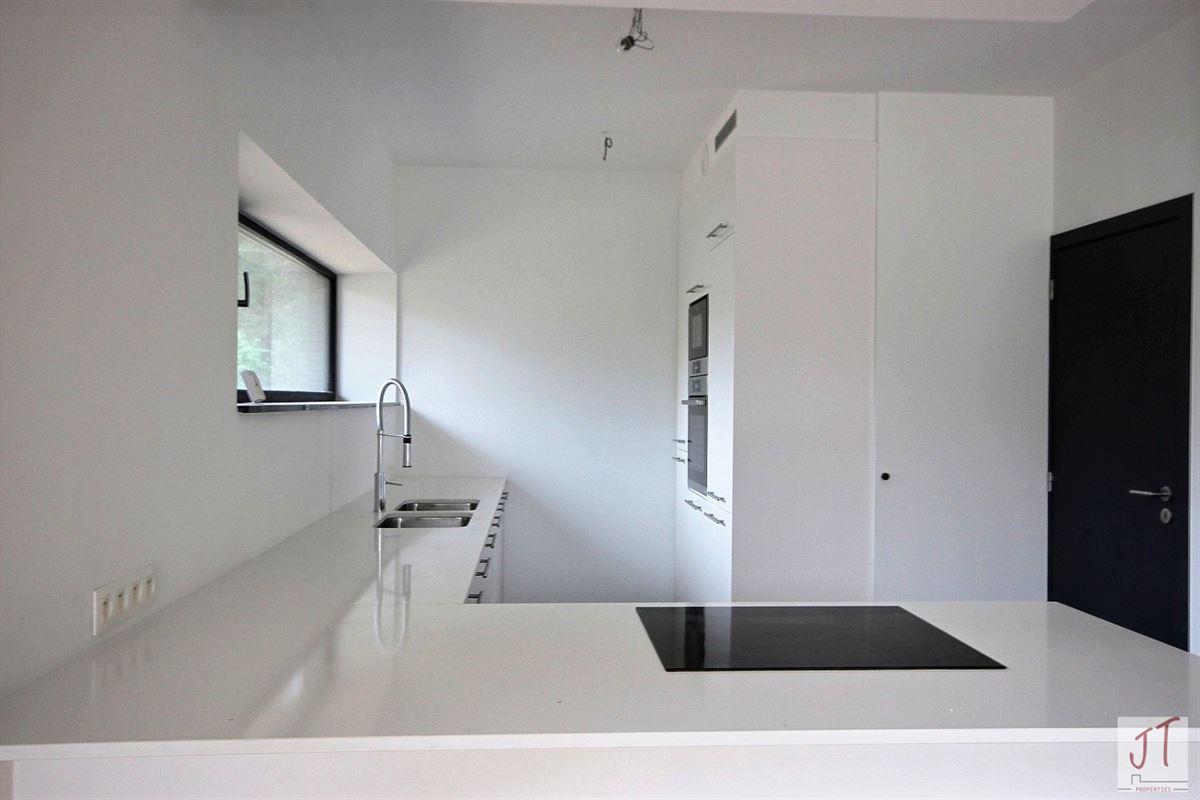 Foto 6 : Prestigieuze villa te 1160 OUDERGEM (België) - Prijs € 890.000
