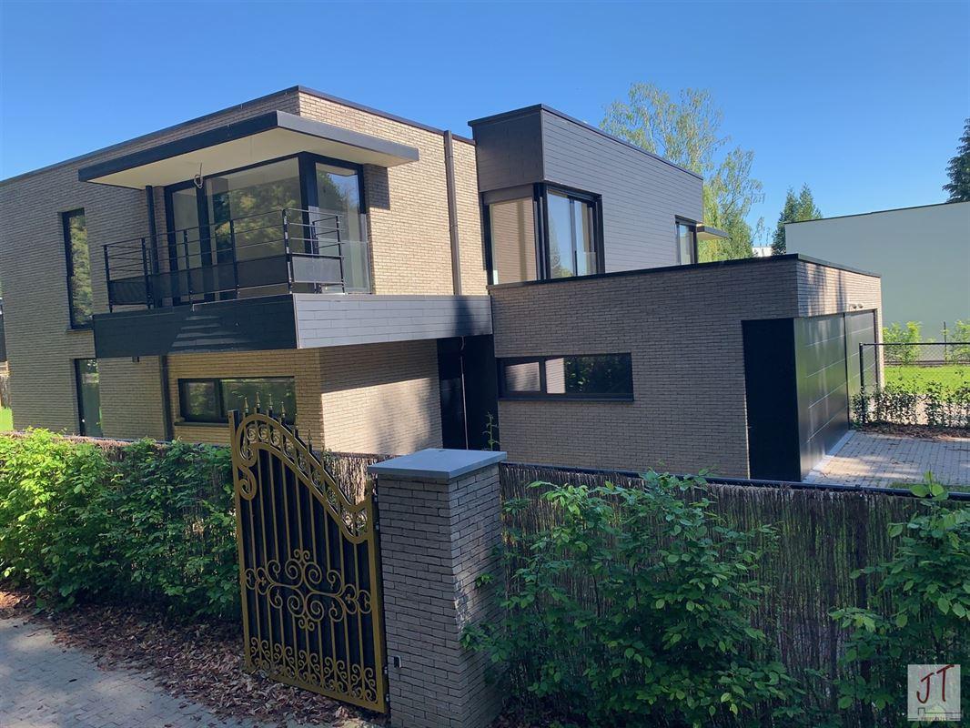 Foto 2 : Prestigieuze villa te 1160 OUDERGEM (België) - Prijs € 890.000