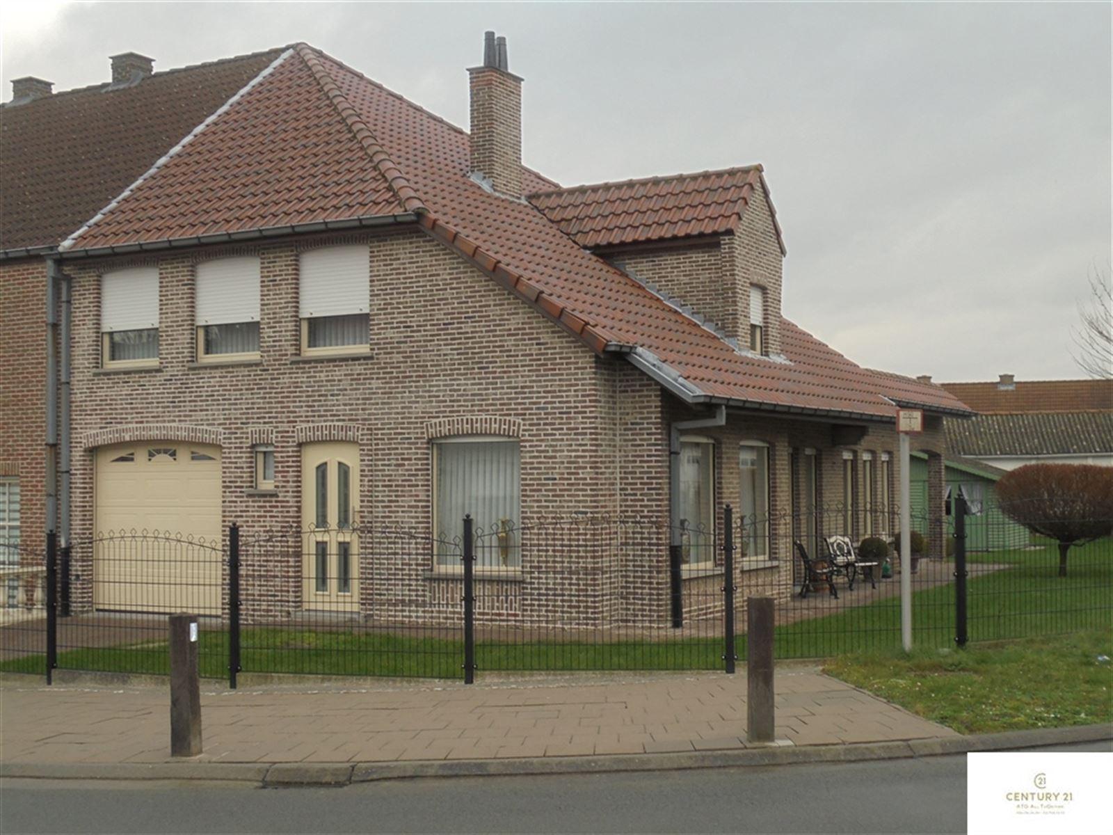 Huis – 9402 Meerbeke