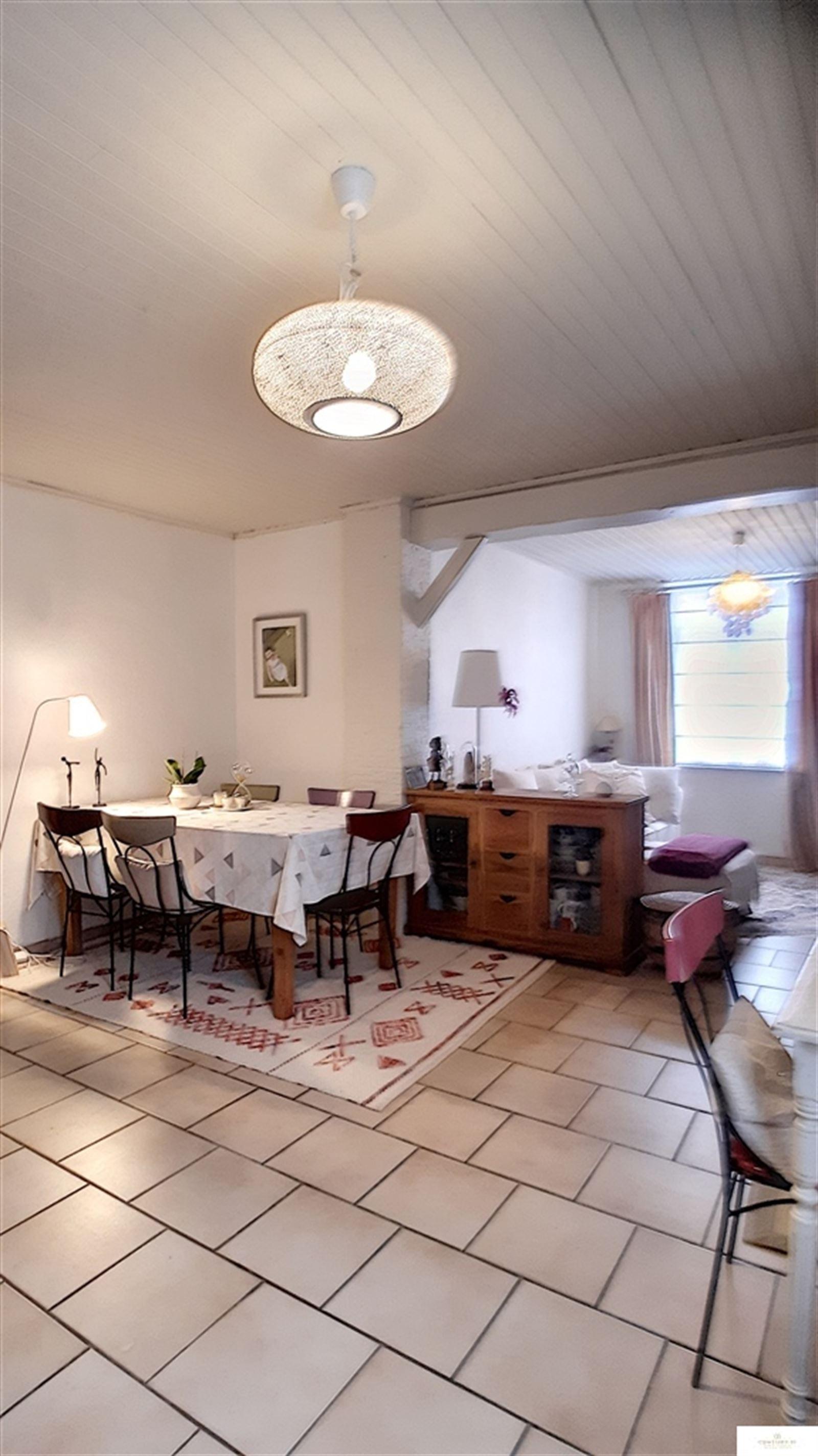 Huis – 9500 Viane