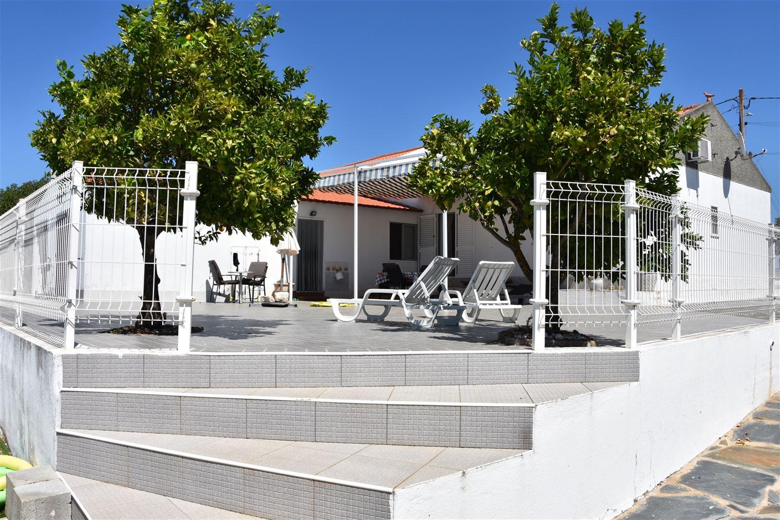 Huis – 7200-363 Portugal (P)