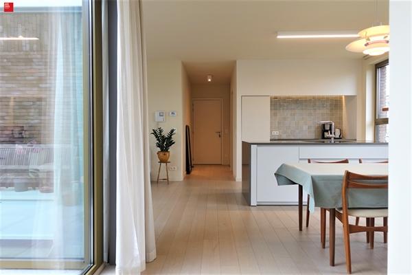 Een rustig gelegen, ruim nieuwbouw appartement te huur net buiten het centrum van Gent