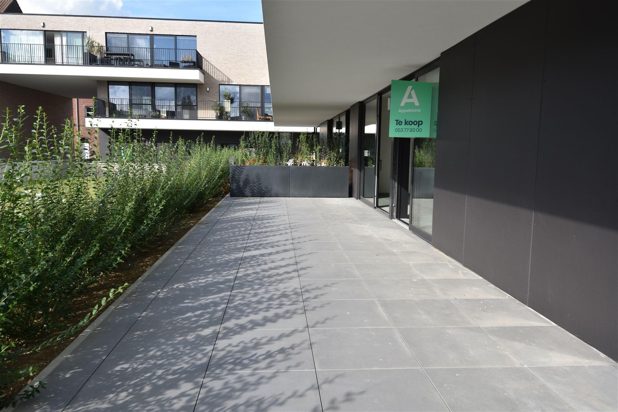 In een hippe, gezinsvriendelijke buurt van Aalst vlakbij de Dender en de stadsring creëert projectontwikkelaar Bostoen een nieuwbouwverkaveling besta...