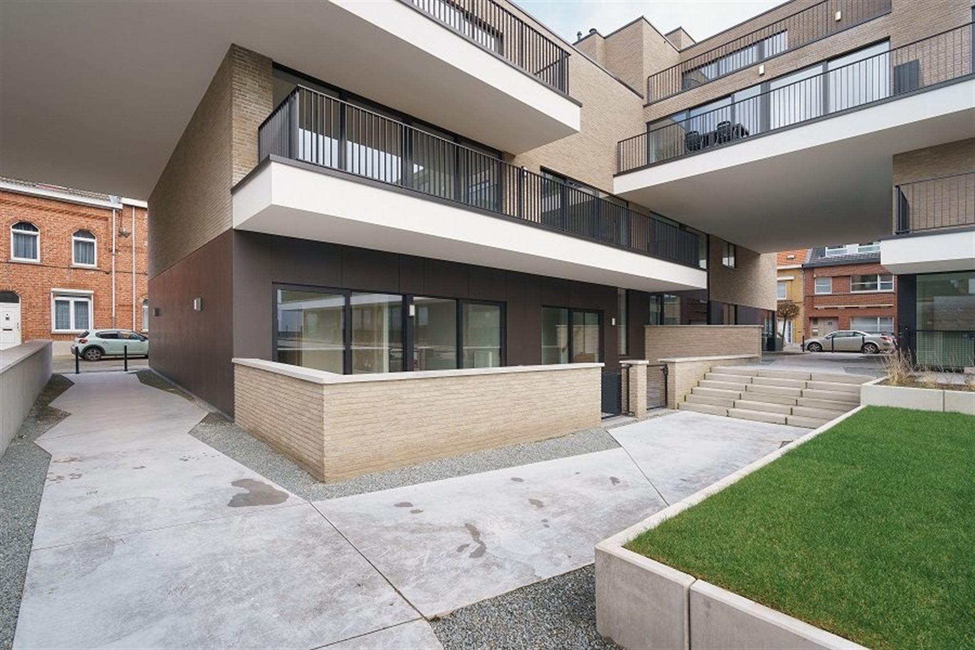 In een hippe, gezinsvriendelijke buurt van Aalst vlakbij de Dender en de stadsring creëert projectontwikkelaar Bostoen een nieuwbouw verkaveling best...