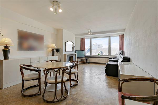 Knap vernieuwd appartement in het bruisende centrum van de stad! U hoeft enkel uw appartement te verlaten en alles wat u maar nodig kunt hebben, is bi...