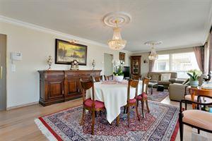 Dit luxe-appartement op de eerste verdieping is gelegen in de residentie 'Green Village I', op 10 minuten rijden van het centrum van Aalst en een snel...