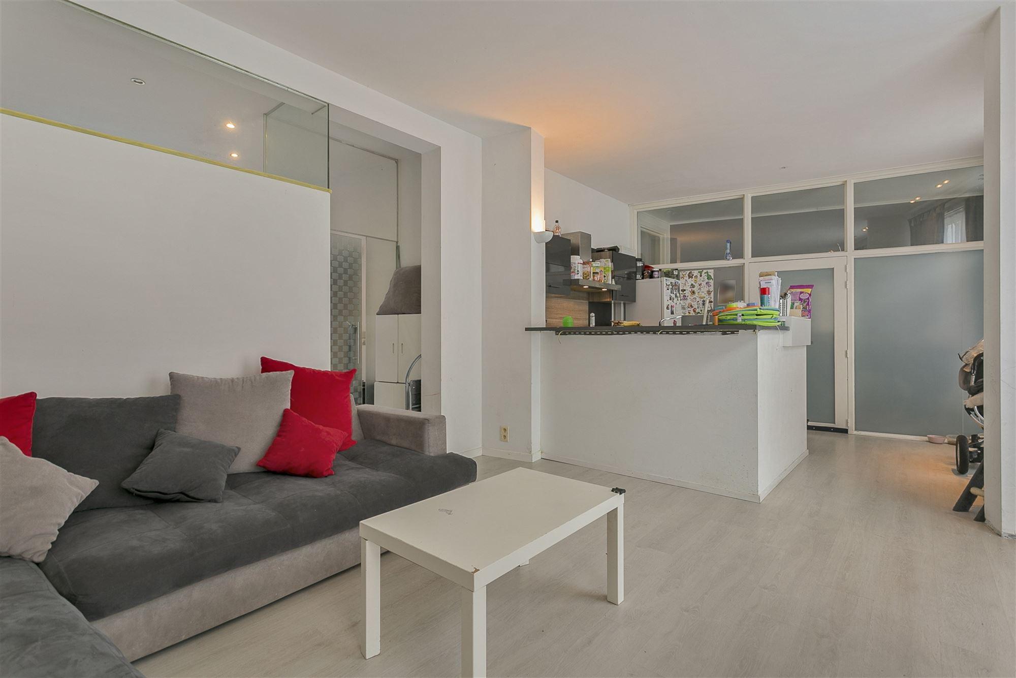 Gelijkvloers appartement te huur met tuintje in centrum Aalst! Gelegen dichtbij Koningin Astridpark, op 10 minuten wandelen van het station Aalst en o...